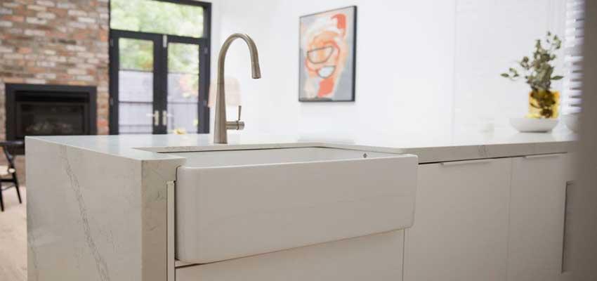 How-to-Repair-Crack-in-Fireclay-Sink